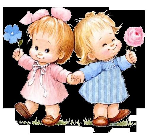 Две маленькие девочки держатся за руки и улыбаются